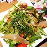 一人に一皿ずつの小さなとり鉄サラダ和風