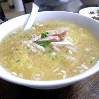 特製鶏スープ麺(粒粒香)