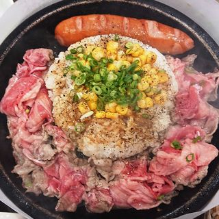 お肉超てんこ盛りペッパーライス(武蔵ハンバーグ )