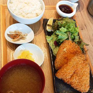 アジフライ定食(白金魚食堂 アトレ川崎店)