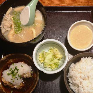 豚汁唐揚げ定食(鳥元 川崎)