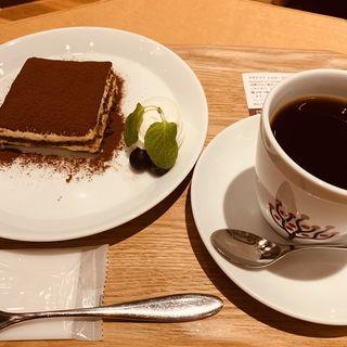 ティラミス(カフェ レクセル 丸の内ビルディング店 (CAFE LEXCEL))