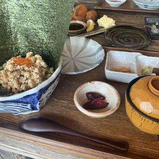 ほろほろ丼(江ノ島小屋)