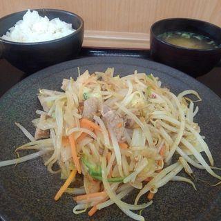 気仙沼ホルモン野菜炒め定食(金成パーキングエリア(下り線))