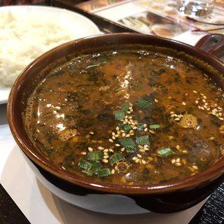 ゴマスープカレー(インド&タイ料理ルチ)