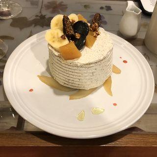 洋なしといちじくのミルクレープパンケーキ(エイトジュール (8 jours))