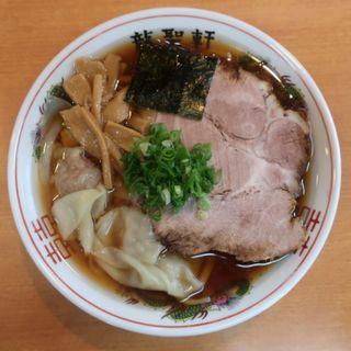 醤油ワンタン麺(並)(龍聖軒)