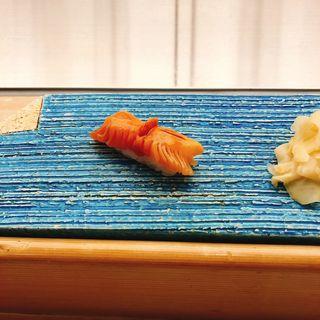 赤貝の握り(熊魚菴 たん熊北店 東京ドームホテル店 (ユウギョアン タンクマキタミセ))