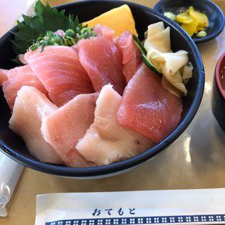 海鮮まぐろづくし丼(フーズガーデン玉浦食彩館 )