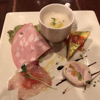 おまかせ前菜 4種類のアンティパストミスト(ピッツア ダ バッボ (PIZZA DA BABBO))