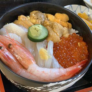 海鮮グルメ丼1470~2730円