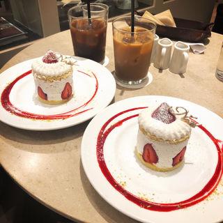生クリームショートケーキ(カフェ&ブックス ビブリオテーク 東京・有楽町)