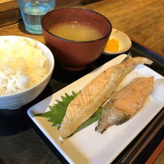 サーモンハラス定食(めしや太治兵衛)