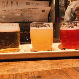 クラフトビール飲み比べ(クラフト ビア マーケット 大手町店 (CRAFT BEER MARKET))