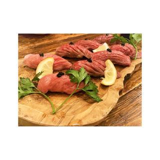 A5肉寿司盛り合わせ(肉バルKACCHAN 池袋南口店)