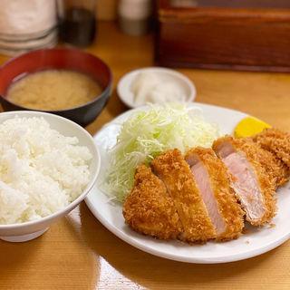 ロースかつ定食(とんかつ 山家)