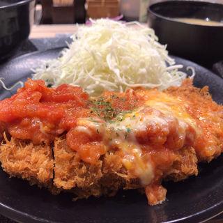 チーズトマト厚切りロースかつ定食(松乃家 仙台中央店 )