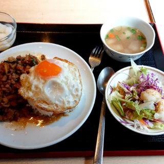 ガパオライス(タイ田舎料理 クンヤー )