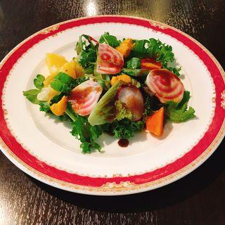 有機野菜を使ったもりもりサラダ(カーサ ディ カミーノ (Casa di Camino))