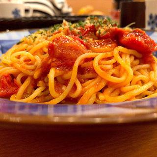 セミドライトマトとモッツァレラのトマトソースパスタ パン食べ放題セット(鎌倉パスタ 仙台パルコ店)