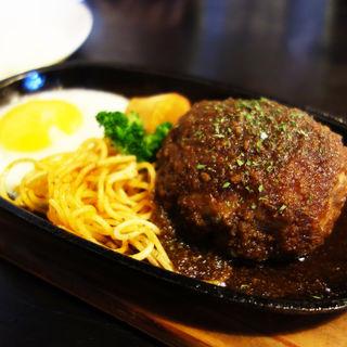 ハンバーグセット200g(ライス・スープ・サラダ付き)(洋食屋ちと(CHITO))