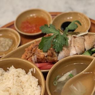 シンガポールチキンライス(ハーフ&ハーフ)(シンガポール海南鶏飯 赤坂店 (ハイナンチーファン))