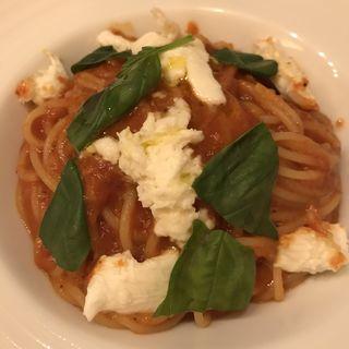 トマトとモッツァレラチーズのパスタ(Ristrante Dal Cure)