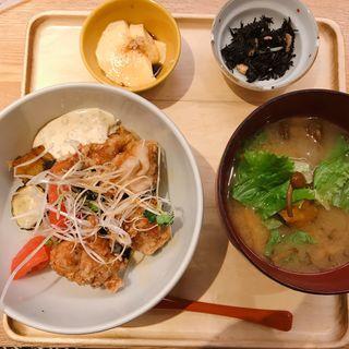 チキン南蛮ゆず胡椒タルタル丼(マルモキッチン )