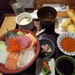 特上海鮮丼と天ぷら膳