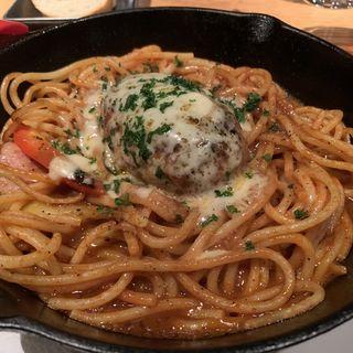 熱成葡萄牛のハンバーグステーキ&焼きナポリタン(ビストロ ヴァンブリュレ 表参道 (Vin Brule))