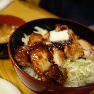 味噌だれバターぷりぷりチキン丼(きんさいや 天神ビル店)