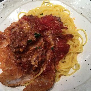 ロース豚カツとトマト風味の軽めのミートソーススパゲッティ  (37 PASTA)