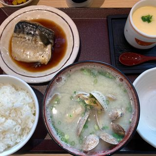 鯖の煮つけ定食(海鮮丼 日の出)