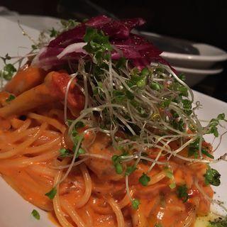 エビと野菜トマトクリームパスタ