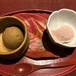 黒糖アイスと苺の豆乳寄せ
