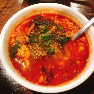 ユッケジャンスープ(焼肉いたみ 新宿店 )