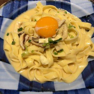 鰹出汁で仕上げた和風カルボナーラ(鎌倉パスタ マークイズみなとみらい店)