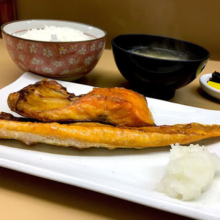 紅鮭定食(食事処 ながもり)