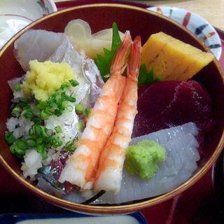 ミニ海鮮丼(道の駅 岩城 レストラン はまなす )