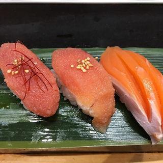 サーモン、たらこ(立食い寿司 根室花まる)