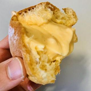 ブリオッシュ トロ生クリームパン
