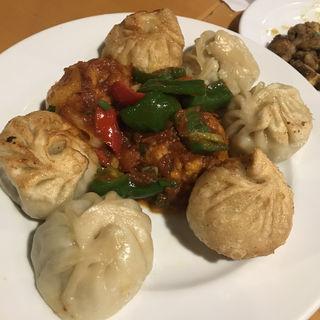 モモの盛り合わせ(小)(ネパール民族料理 アーガン)