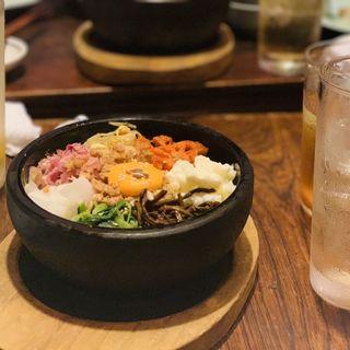 石焼きビビンパ(東洋食堂 百 (トウヨウショクドウヒャク))