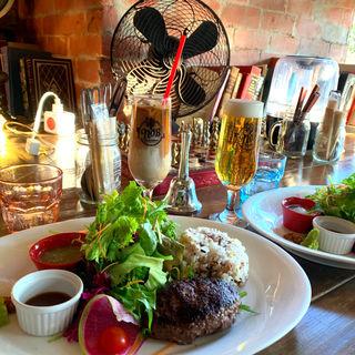 黒毛和牛ハンバーグ彩り野菜(CAFE NOB)