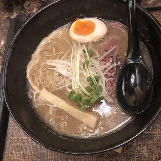 牛骨醤油ラーメン(麺匠 竹虎 新宿店 )