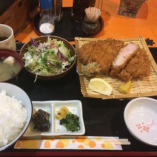 ロースかつ定食(とんかつかつ屋)