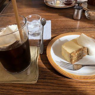 グラノーラチーズケーキ(コホロエルマーズグリーンコーヒーカウンター (Elmers Green))