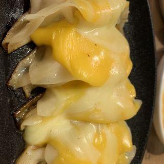極みチーズ餃子(餃子製造販売店 新宿小滝橋通りいち五郎)