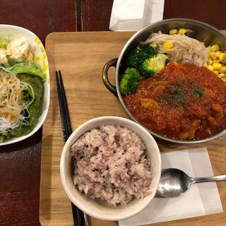 トマトのチキントマト煮込み定食(黒川食堂 )