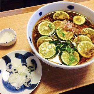 すだち蕎麦(京金 (きょうきん))